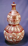 赤絵金彩松図瓢形大瓶